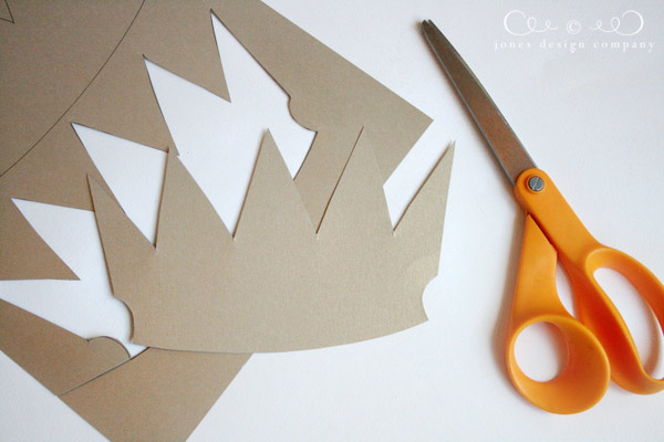 diy-crown-step-1-cut-out-template