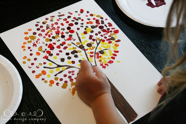 painting-dots-for-fall-tree