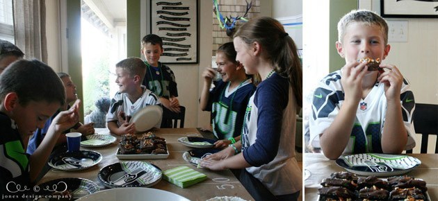 seahawks-party-eating-treats