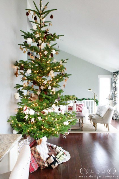 christmas-tree-to-living-room